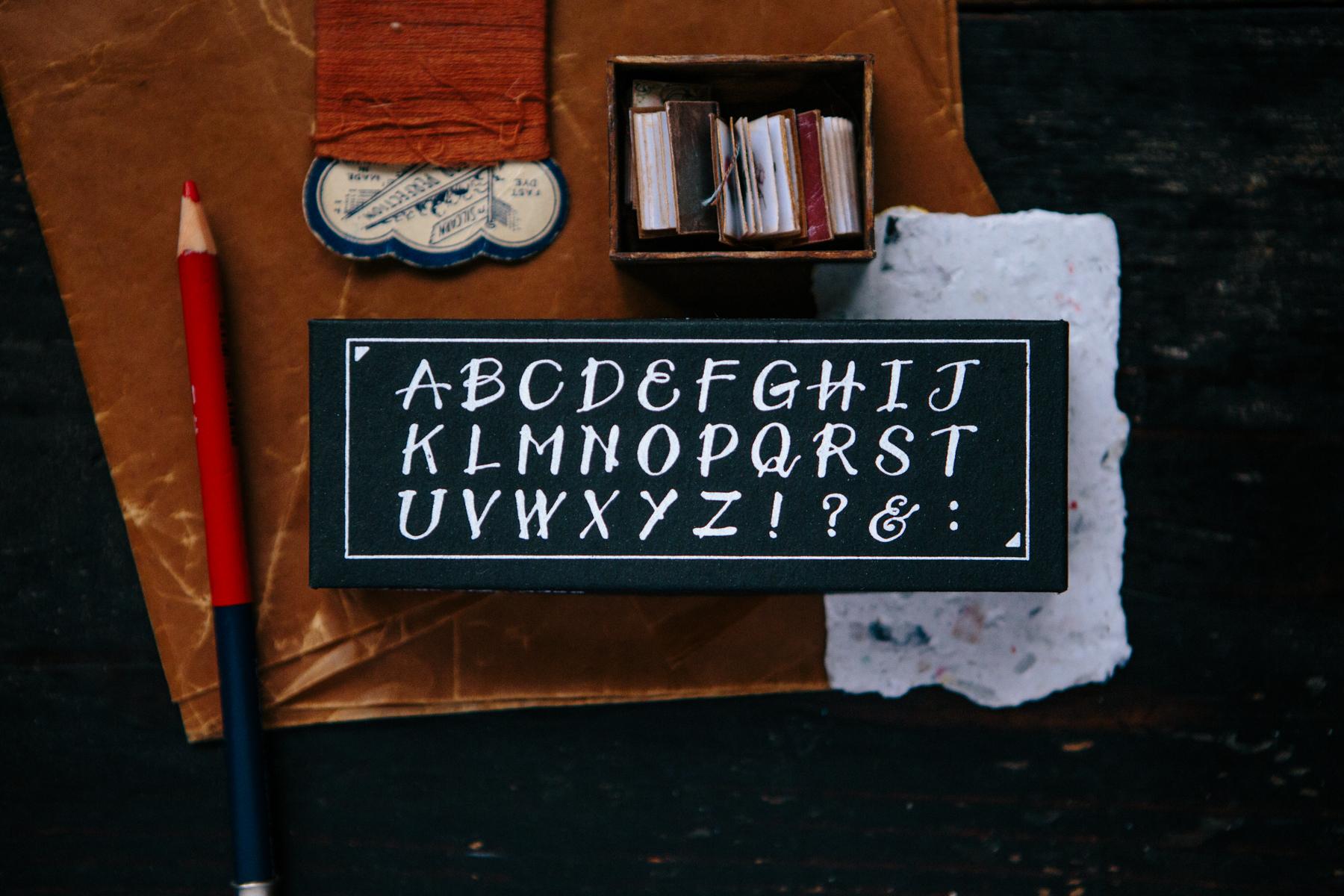 OURS 抽屜之中 軟筆字英文章 大寫 印章組
